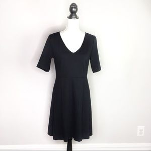 NWT Vineyard Vines Fit N' Flare Pleated Dress